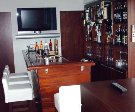 Hardhouten bar