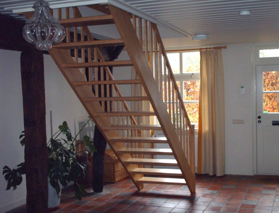 Eiken trap (open)